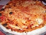nice crust body, plenty of cheese, tangy sauce